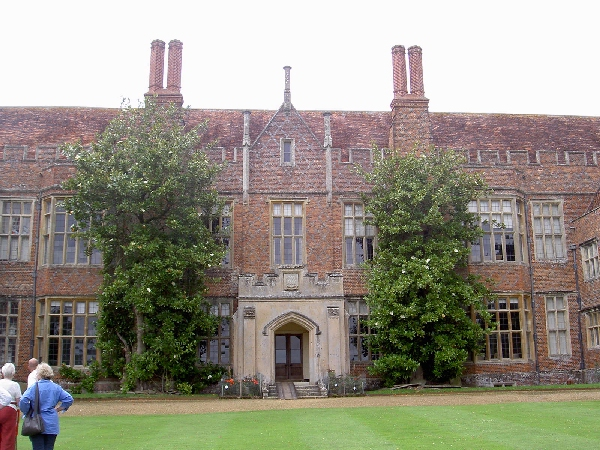 Afternoon visit on 5th August 2009 to Mapledurham House  and Watermill on the River Thames